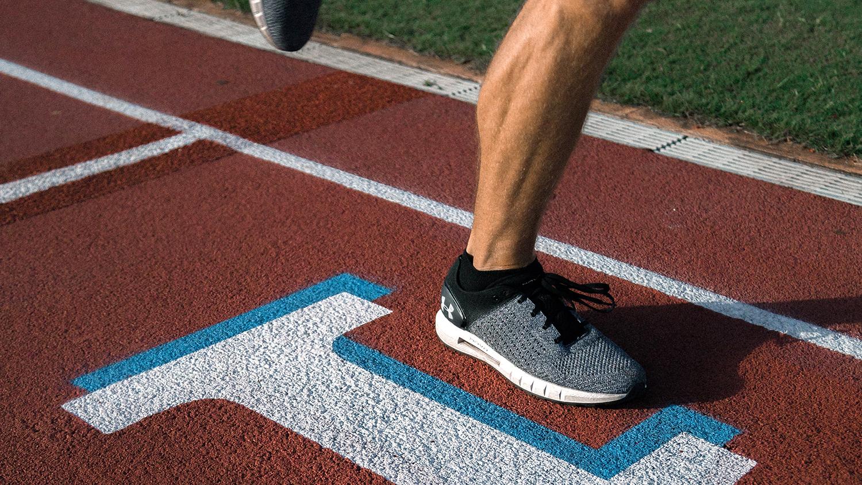 runner on race track